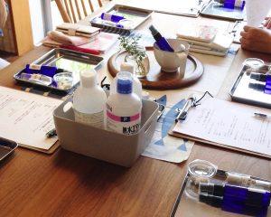 【練馬区関町・講座】夏の傷んだ肌にアロマでスキンケア!化粧水&乳液作りワークショップ